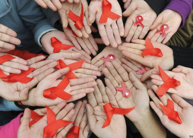 HIV_20AIDS_20hands.jpg