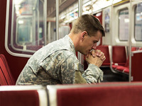 Soldier_20on_20a_20train_20400x300.jpg