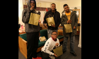 Boys_20with_20Gift_20Bags.png