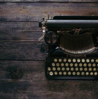 typewriter_640x648-01.jpg
