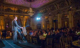 qa_20VOA-GNY_20Gala_202019_20-_20Willie_20Geist_20Speaking.jpg