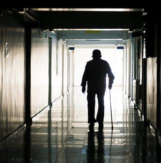 Senior_Hallway_640x648