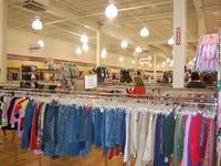 thrifting at volunteers of america