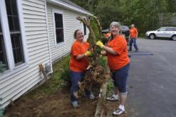 100 Home Depot Volunteers Help Maine Veterans Volunteers Of America