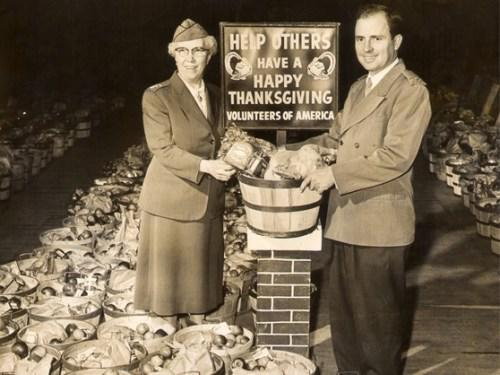 Historical_image_of_Volunteers_of_America_offering_Thanksgiving_baskets.jpg
