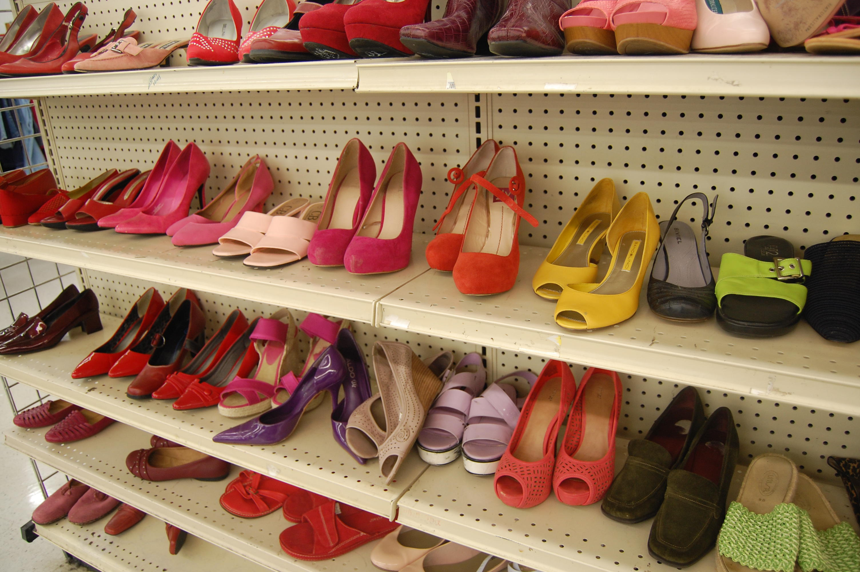 thrift store shoes for spring